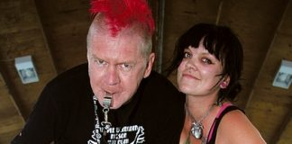 Sirens of Smash members Dave White 'Rudeboy Red' and Roxy Blackheart,'Roxy Smashhearts'. Photo: Sinead Ogilvie.