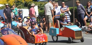 The annual derby attracted hundreds of keen spectators and dozens of keen participants. Photo: Jessie Johnston.